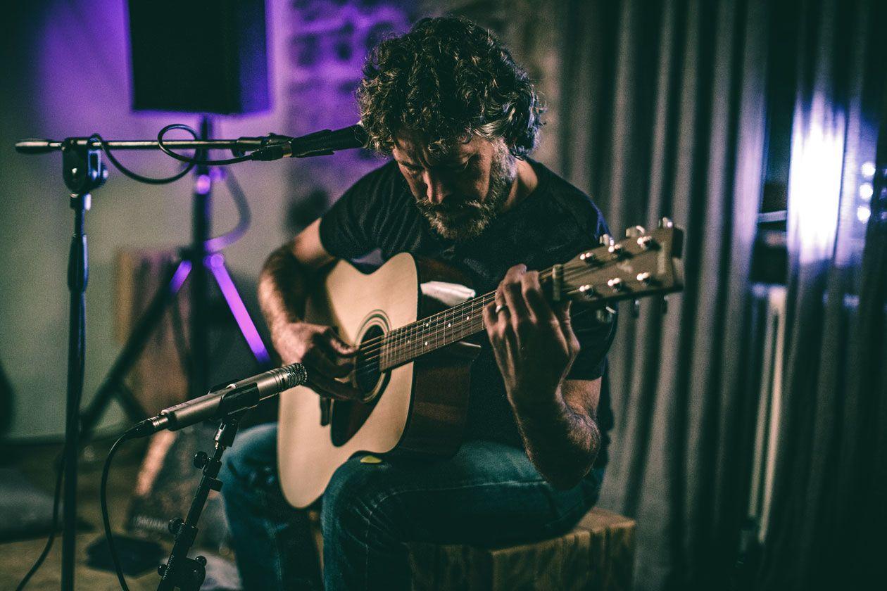 Buck Curran's Transcendental Folk Guitar