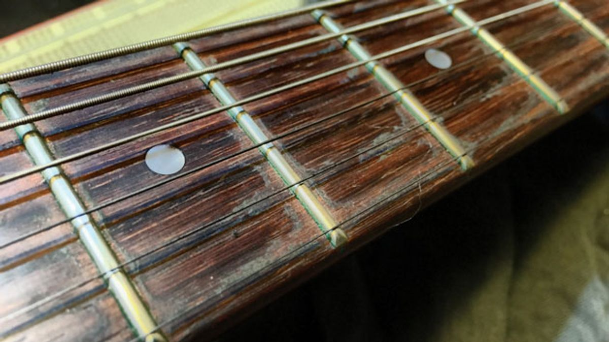 The Recording Guitarist: Should You Change Your Electric's Strings Before Tracking?