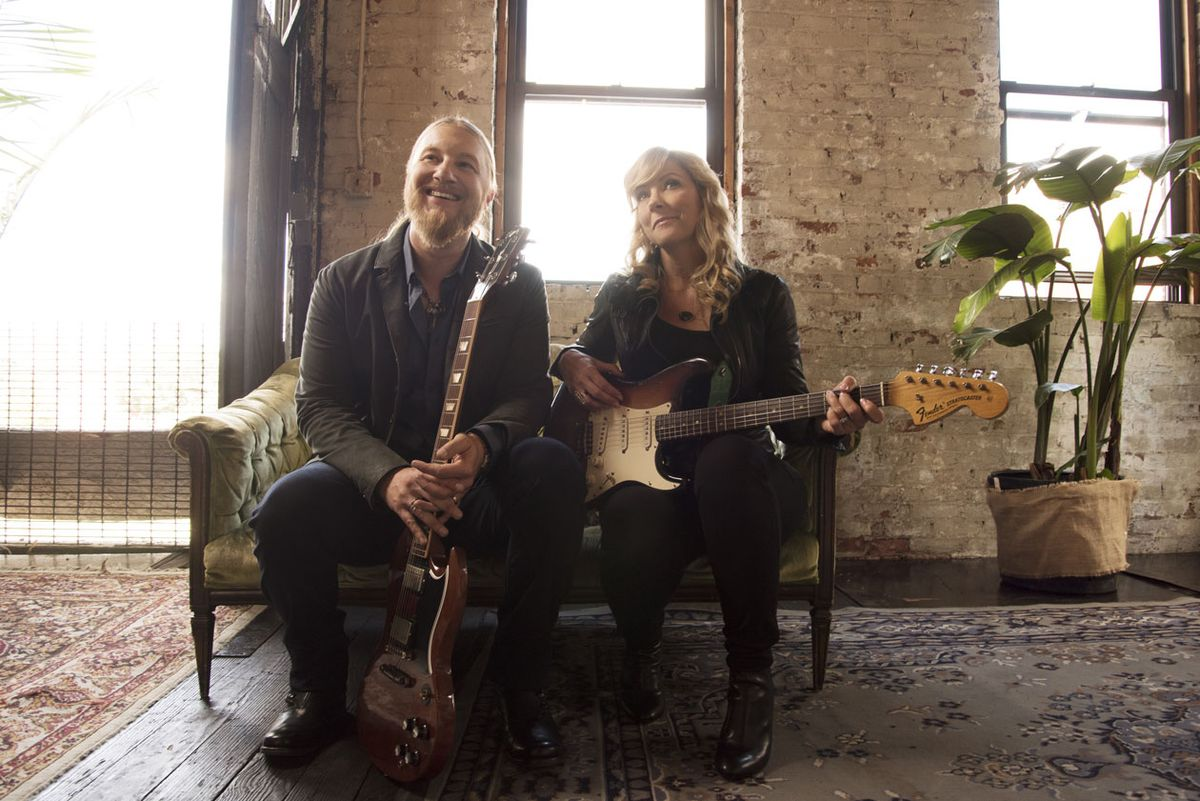 Tedeschi Trucks Band: All in the Family