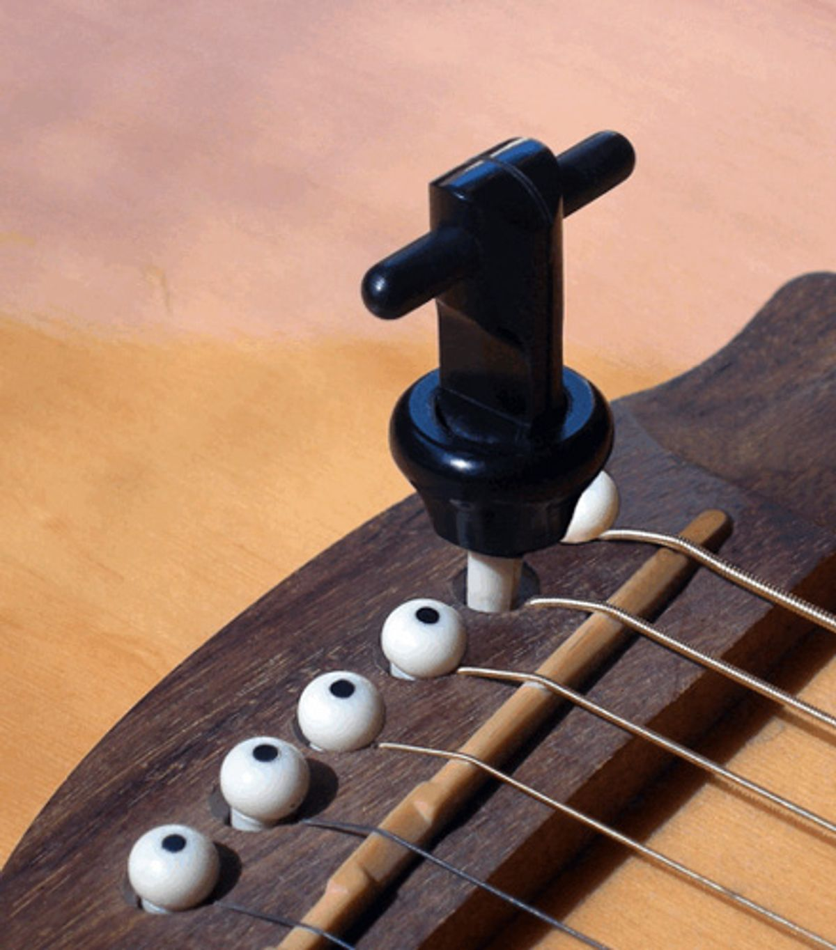 BigRock Engineering Releases SNAPZ Acoustic Guitar Bridge Pin Puller