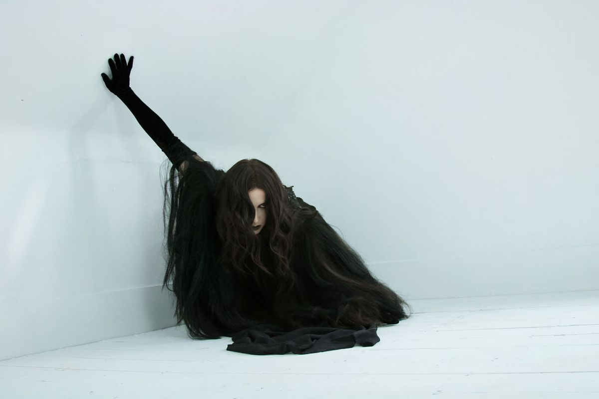 Chelsea Wolfe: Like a Ghost Over a Battlefield