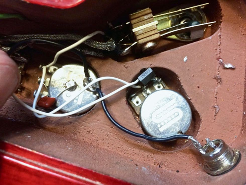 three must try guitar wiring mods premier guitar since the output from the pickup selector must feed both tone pots i ve run a wire from lug 3 of the treble pot to lug 3