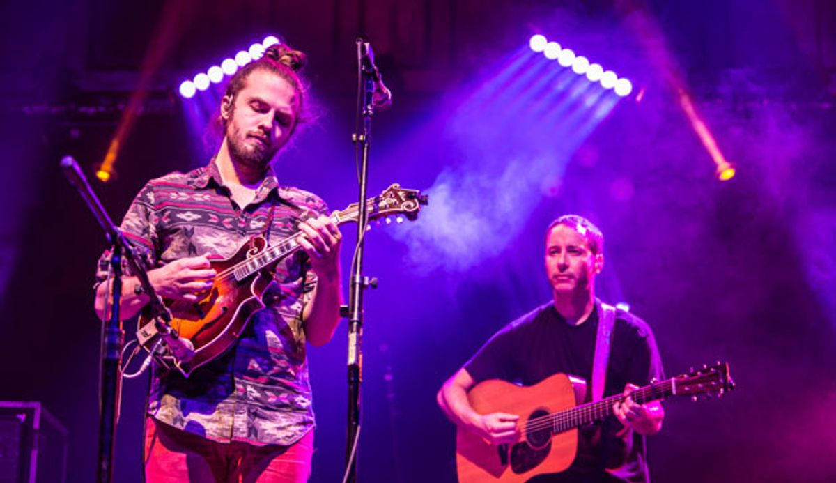 """Yonder Mountain String Band: """"Eat In Go Deaf (Eat Out Go Broke)"""" Song Premiere"""