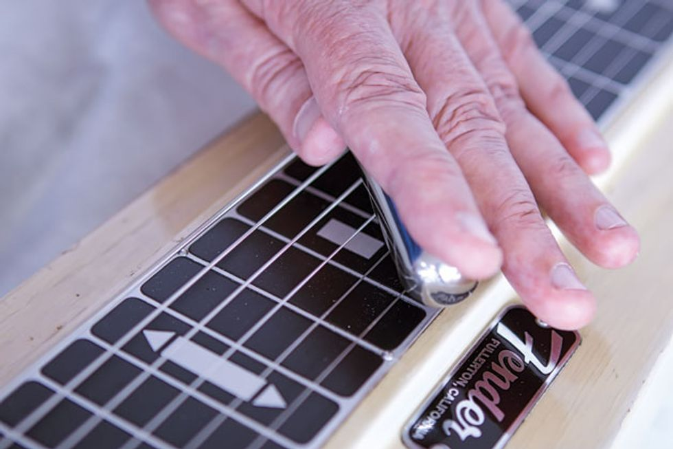 Hand Jive! Master the Fundamentals of Lap Steel
