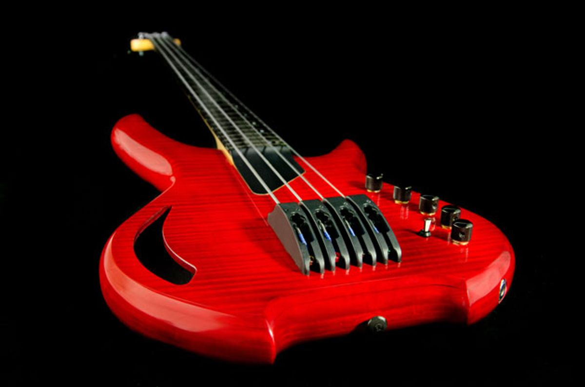 Willcox Guitars Unveils the Saber Bass