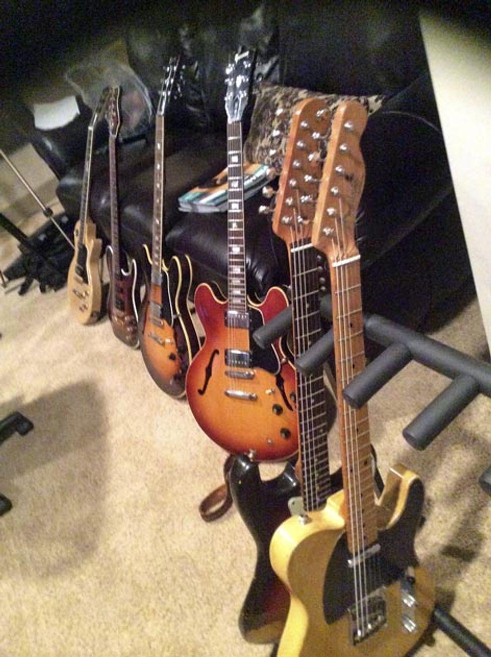 Carlton-Guitars-WEB.jpg