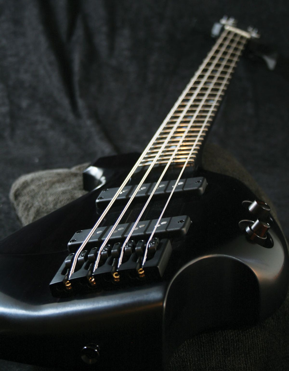 Bass Bench: Diving into Lutherie