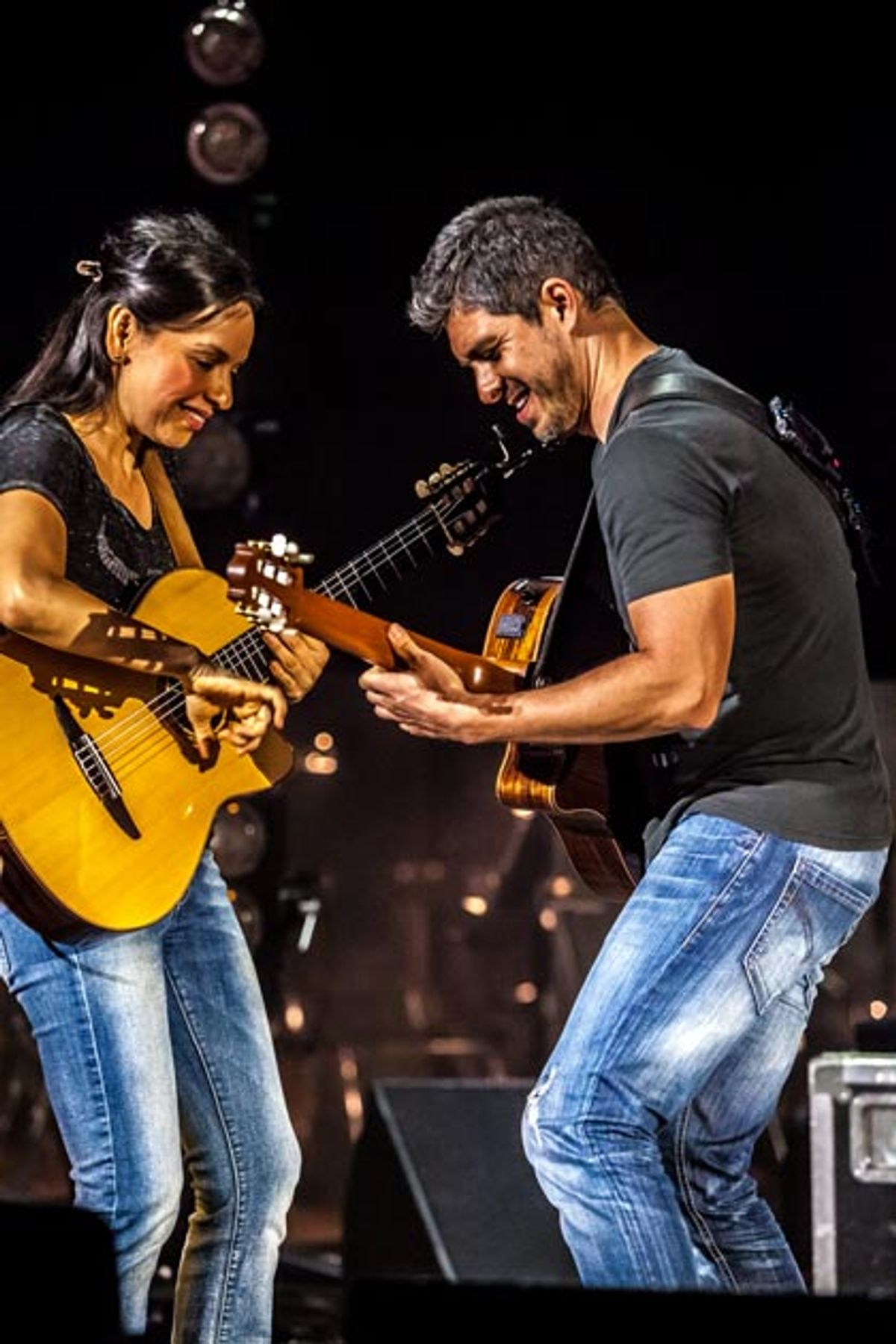 Shredding Nylon: Rodrigo y Gabriela