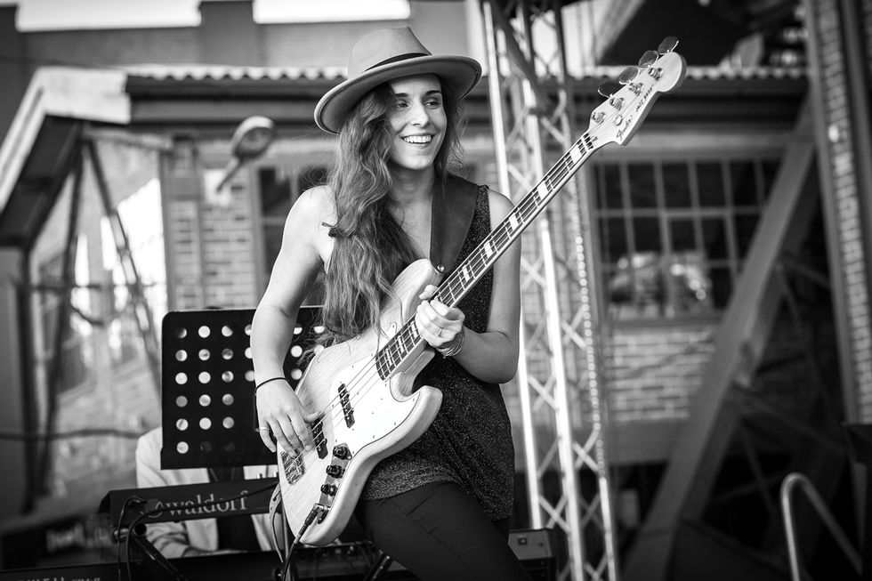 Kinga Glyk live fender jazz bass guitar - homepage