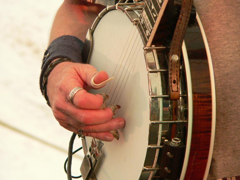 Cosmic Country: Finger Rolls | Premier Guitar