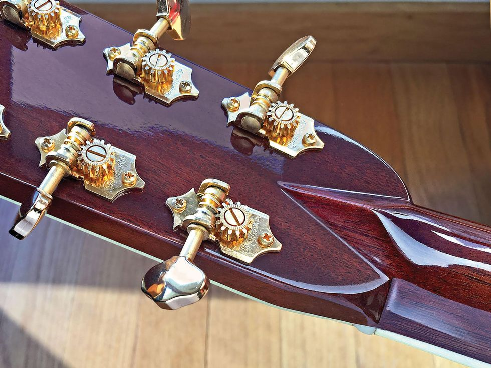 Pros & Cons of Pitched Vs. Straight Headstocks