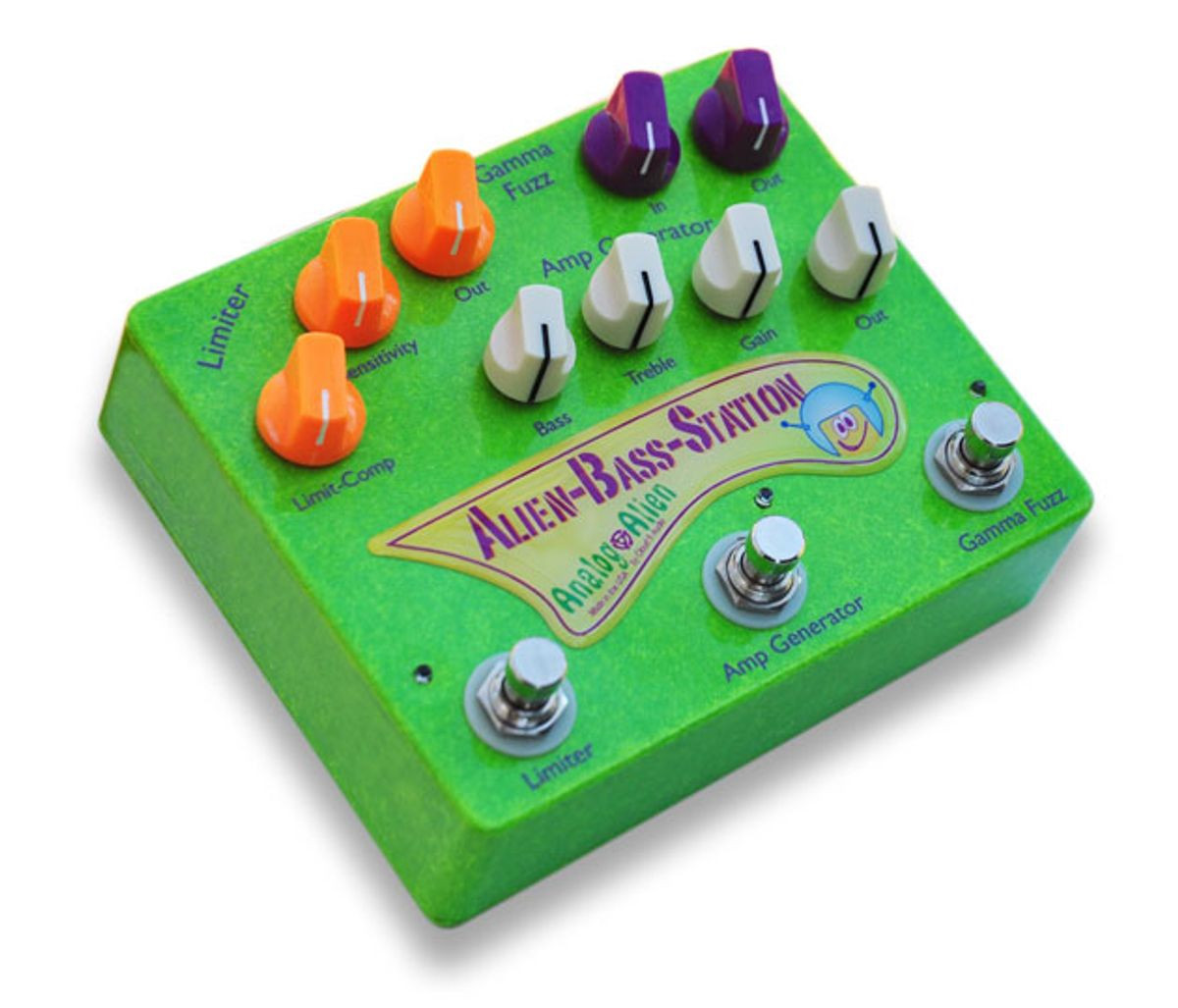 Analog Alien Introduces the Alien Bass Station