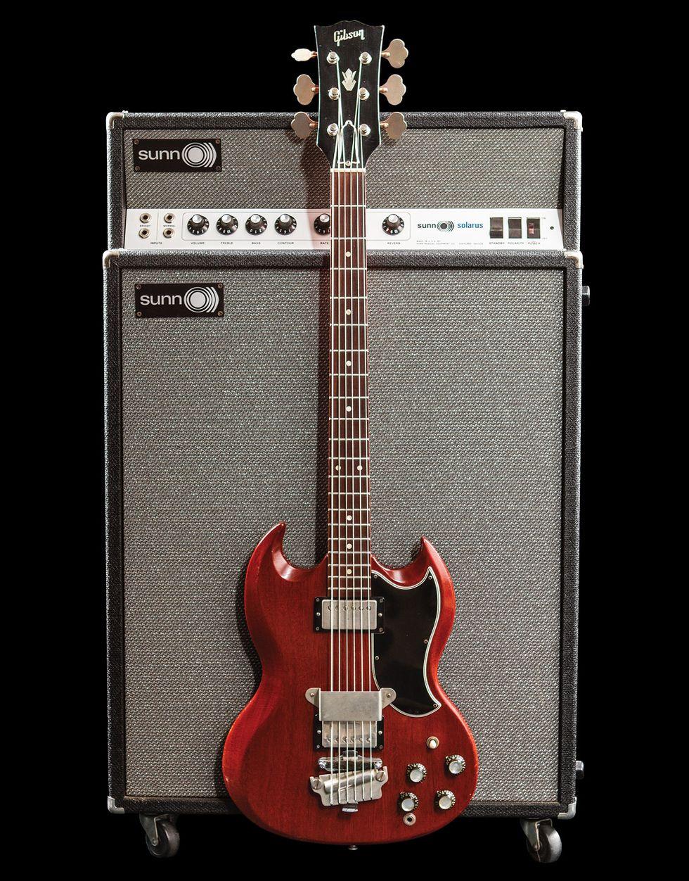 Spotlighting a Rare Gibson 6-String Bass homepage