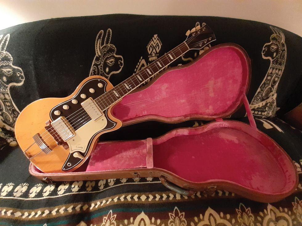 Vintage National Guitar Photo homepage