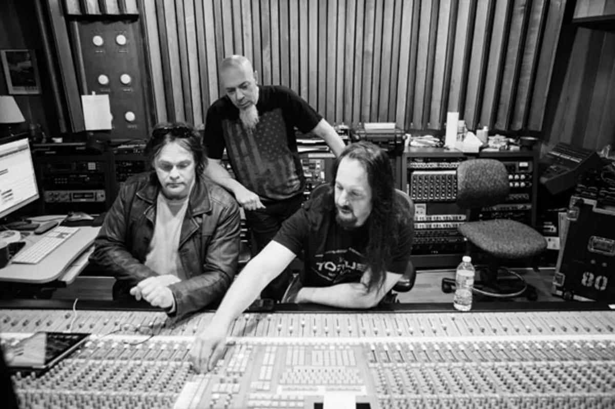 John Petrucci: The Ultimate Evolved Guitarist