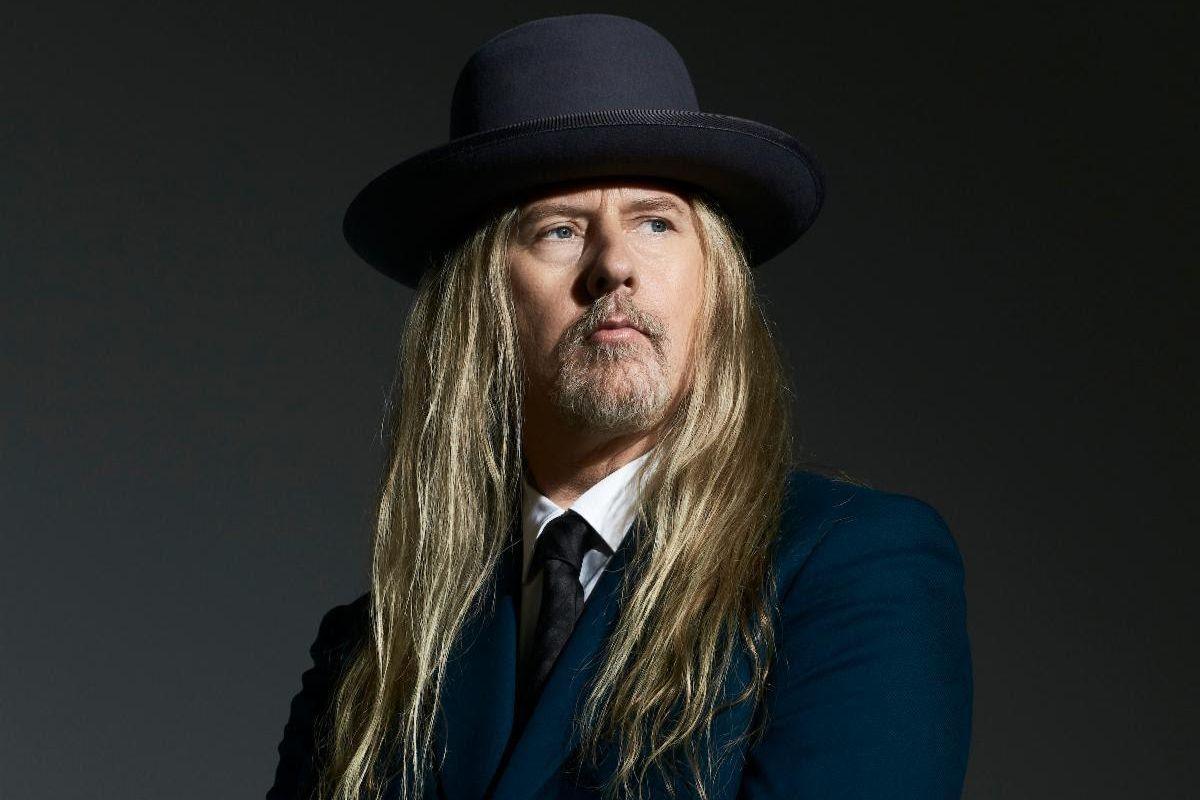 """Jerry Cantrell Releases """"Atone"""" and Announces 2022 Tour"""