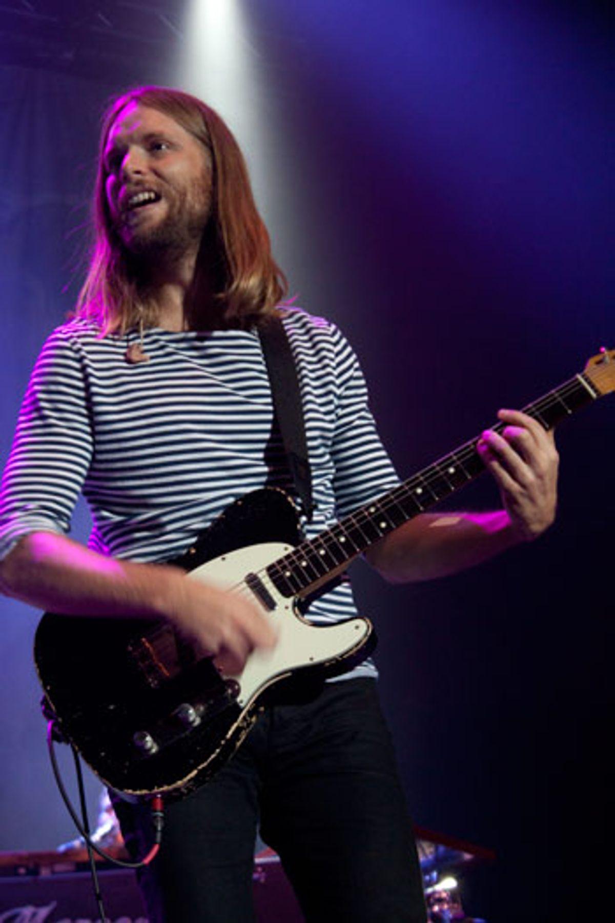 Interview: James Valentine (Maroon 5) - Hands All Over