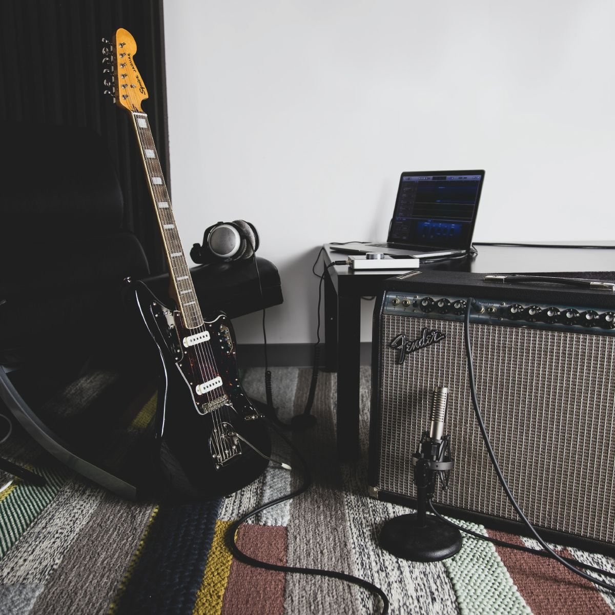 10 Recording Mistakes Guitarists Make (And How to Avoid Them)