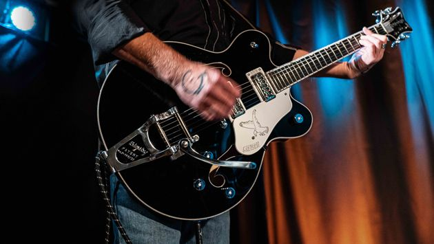 Gretsch Introduces the G6636TSL Players Edition Silver Falcon