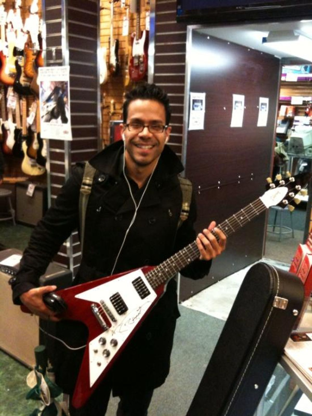 Win a Flying V and Lenny Kravitz Tickets from Sam Ash and Gibson