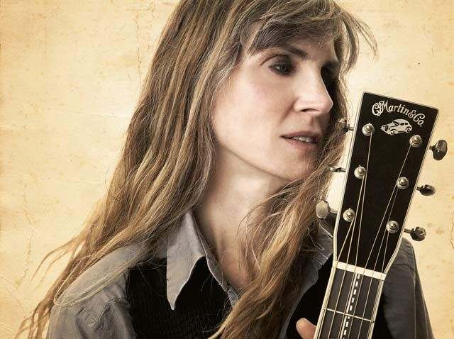 Interview: Rory Block  -  When a Woman Gets the Blues