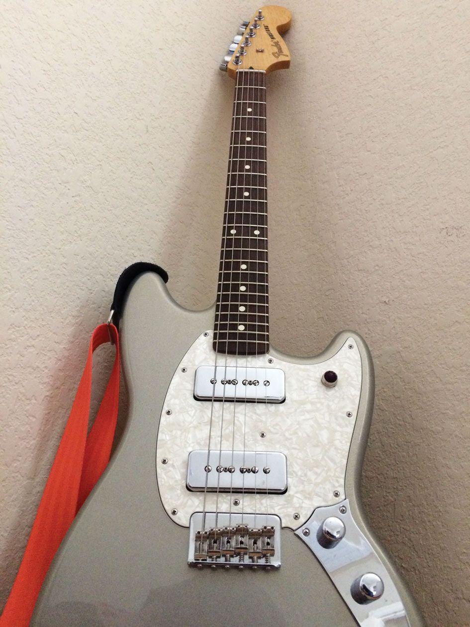 """Reader Guitar of the Month: Fender Mustang 90 """"Violet"""""""