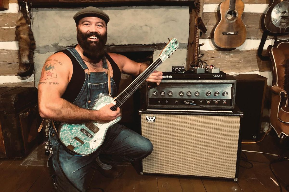 reverend peyton and his silvertone 1484 amp